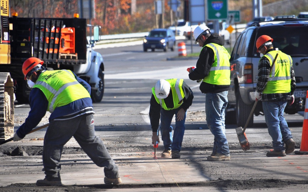 Highway & Bridge Construction Employment Ends Growth Streak