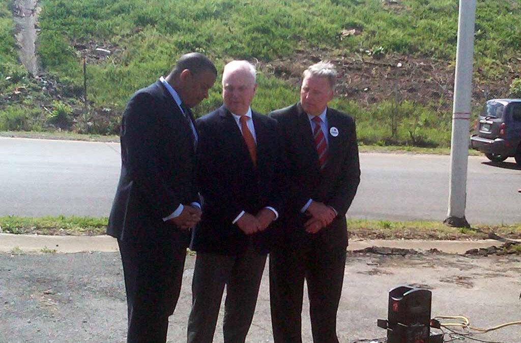 U.S. DOT Secretary Foxx Presses for Highway Trust Fund Solution and MAP-21 Reauthorization on Bus Tour