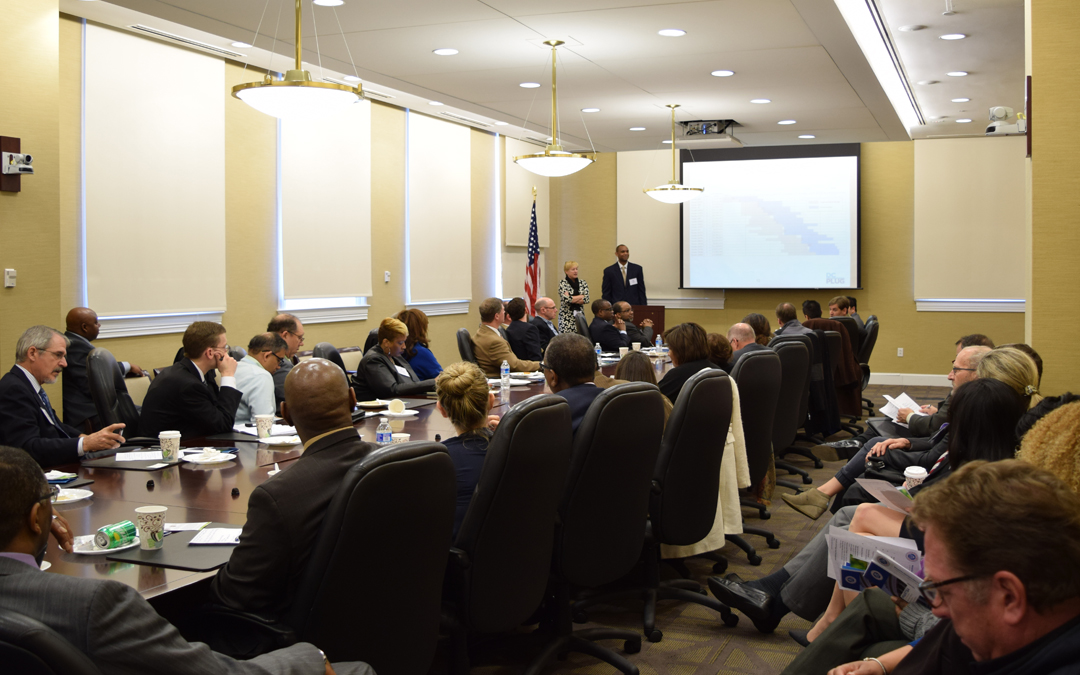 "Transportation Industry Professionals Briefed on the ""DC Plug"" Power Project"