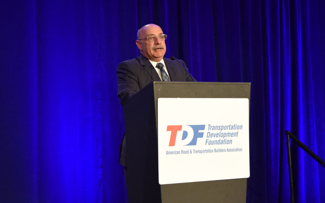 HNTB Leader Yarossi Offers Leadership Insights to 20th Annual YEDP Class