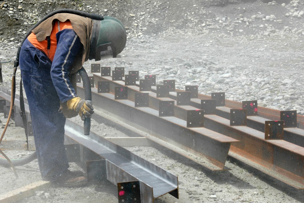 Construction Industry Seeks One-Year Delay in Silica Dust Rule